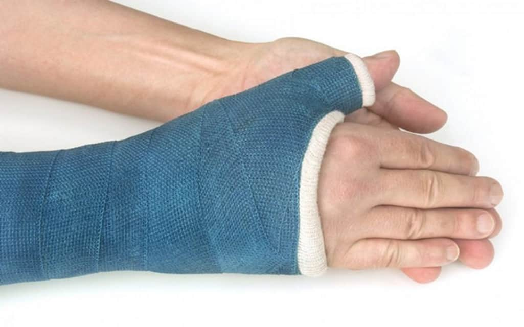 how long does it take to heal a broken wrist mishkanet com
