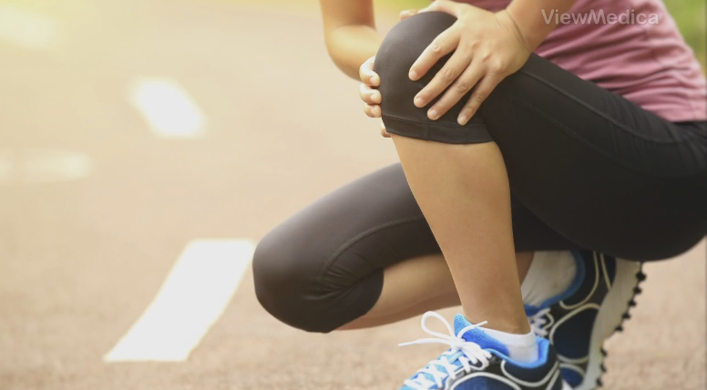 Why does my knee hurt when I run?